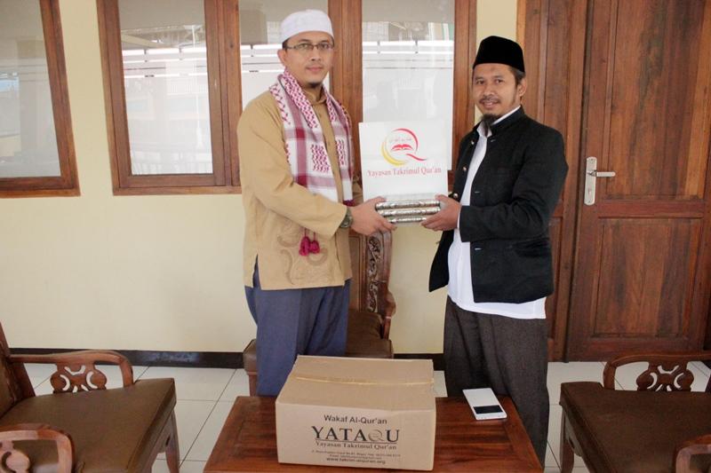 Distribusi Takrimul Quran _Ponpes Al-Aziz Islamic Borading School (1)