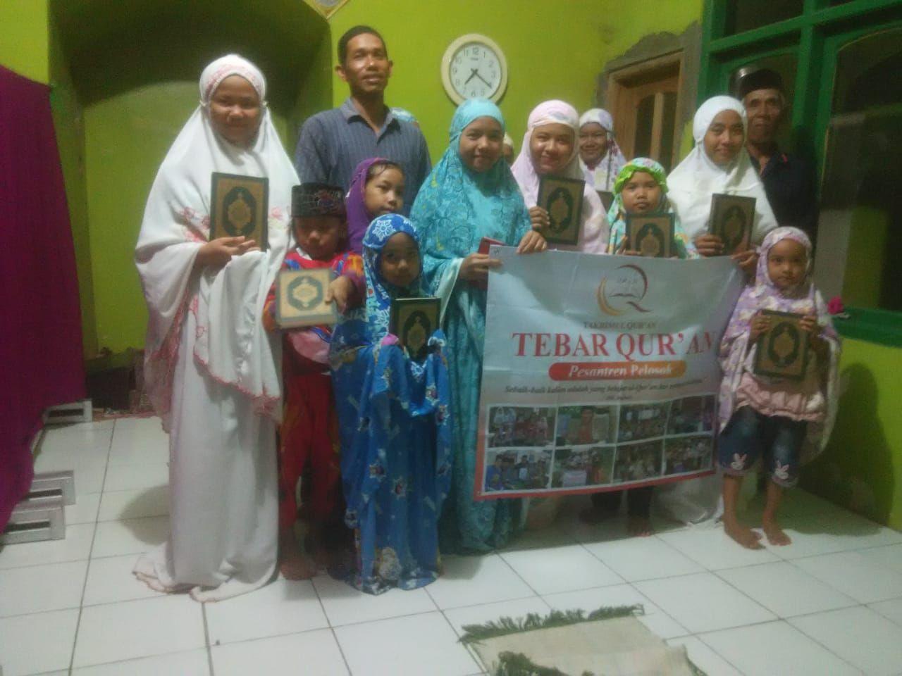 Distribusi Al-Quran ke Masjid At Taqwa